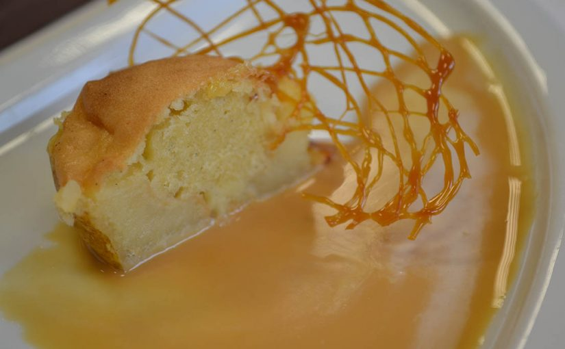 Demi pomme fourrée madeleine au caramel