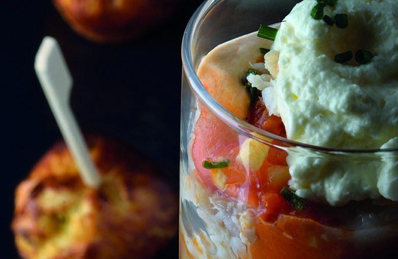 Sucettes de tartare à la truite et verrine de morue à la tomate